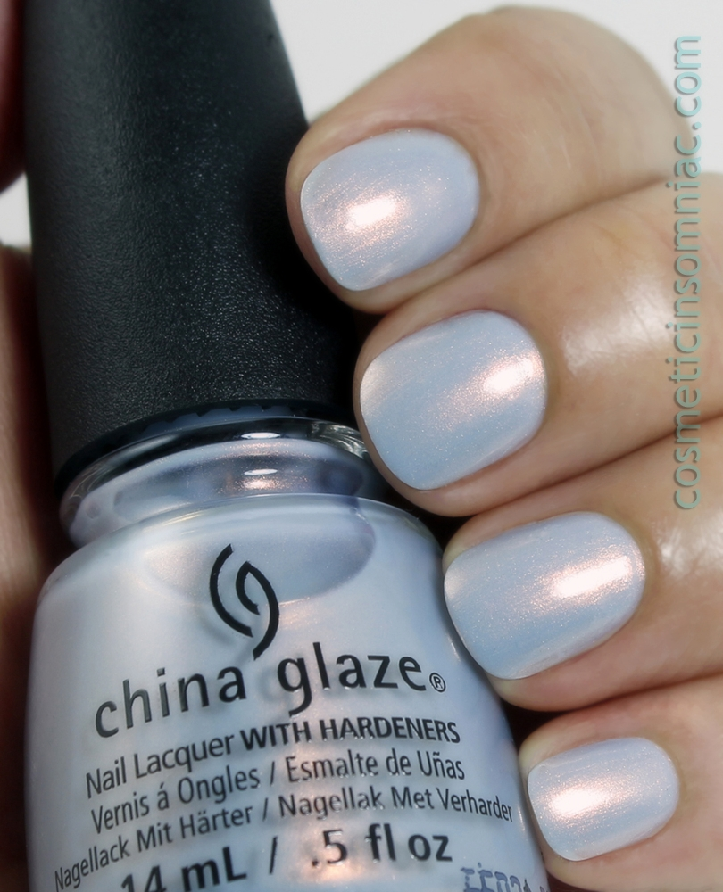 China Glaze - Pearl Jammin'  3 coats + top coat - fluorescent lighting
