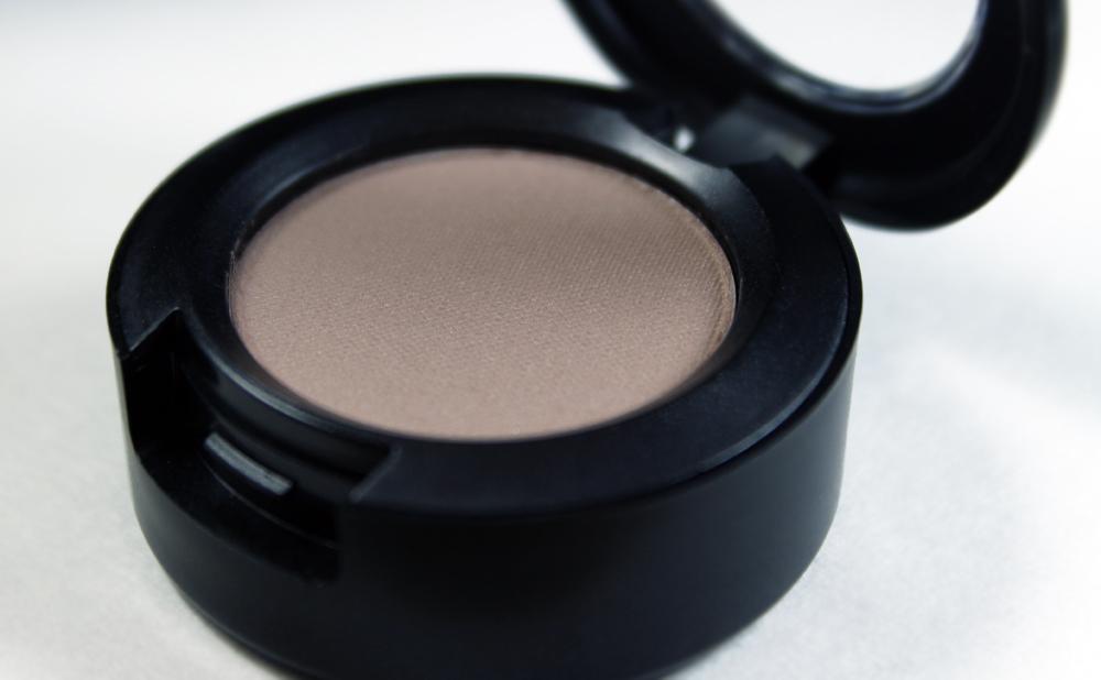 MAC Cosmetics - Look In A Box    Downtown Diva  Eyeshadow - Lyrical