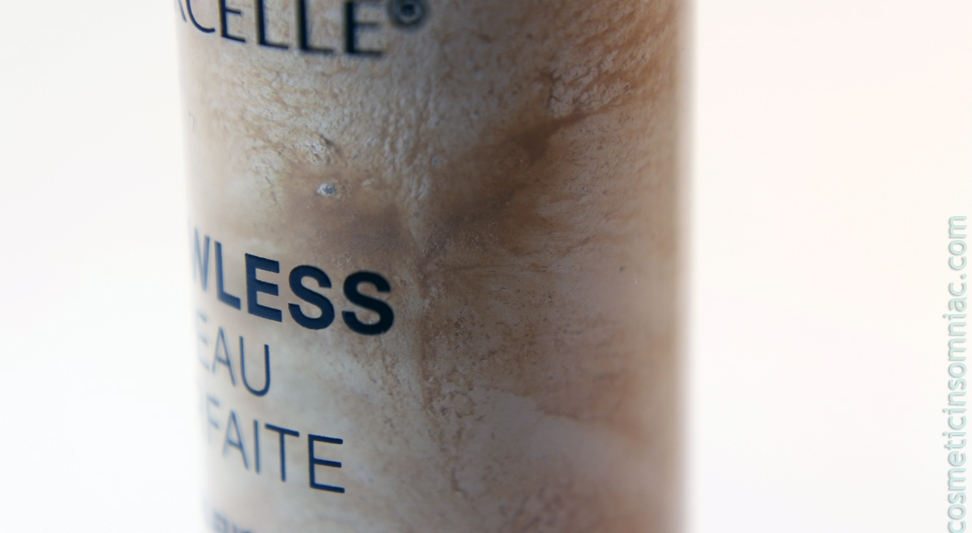 Marcelle Flawless Skin-Fusion Concealer   Close up of separation.   Shown:  Fair/Clair