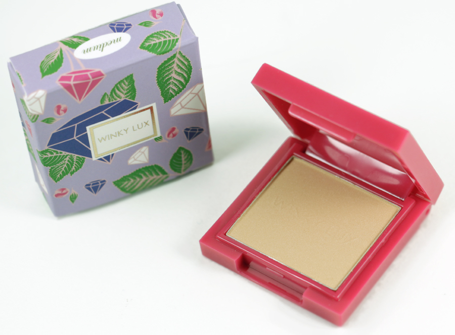 WINKY LUX  Diamond Complexion Powder   Medium   Made in PRC (People's Republic of China)