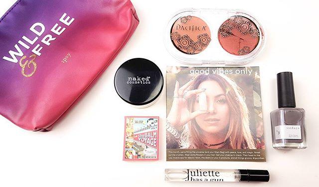 August @ipsy Glam Bag • Pacifica Beauty Coconut Blush. @ilovepacifica  Shades: Beaming & Tenderheart ( pretend mine isn't broken 😢) • theBalm Cosmetics @thebalm_cosmetics theBalm Voyage Vol. 2 Eyeshadow in Kuwakaribisha • Naked Cosmetics @nakedcosmetics HD Finishing Translucent Powder • Juliette Has a Gun @juliettehasagun Not a Perfume. • sundays 10-free Nail Polish @sundays_studio in No. 28 . . . . #ipsyglambag #ipsy #ipsyaugust2017 #ipsyvibes #ipsywildandfree #sundaysstudio #dear_sundays #thebalmcosmetics #juliettehasagun #nakedcosmetics #pacificabeauty #vegan #vegancosmetics #vegannailpolish #bbloggerca #bblogger #beautyblog #makeupobsessed #eyeshadow  #potd #beautysubscription #makeupaddiction #nailpolish #blush #canada #alberta #YQU