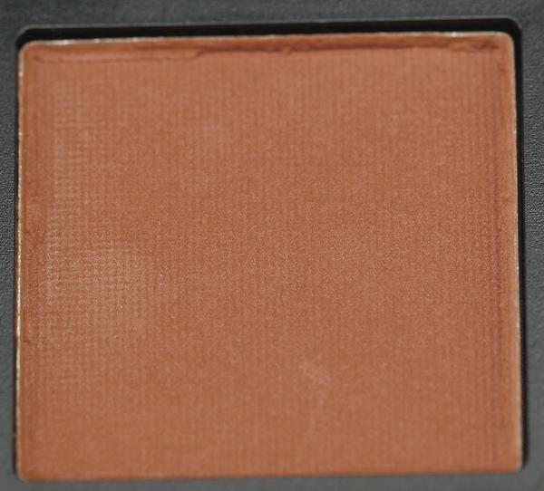 huda-beauty-warm-brown-obsessions-palette-shades-2.jpg