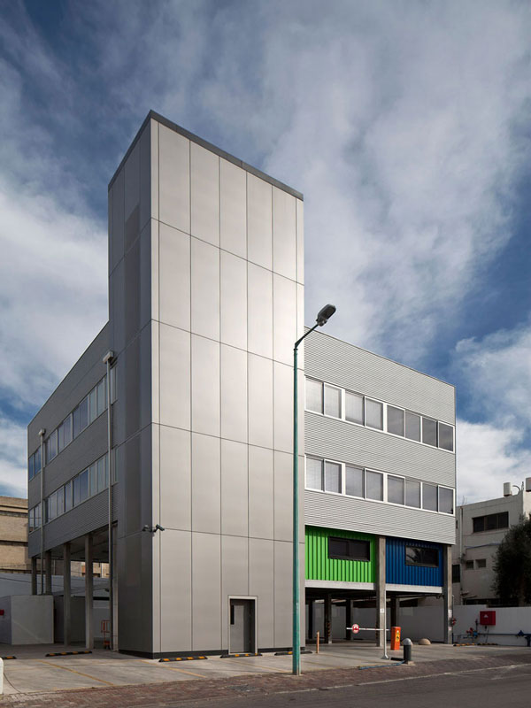 Container Office Building Shilo Ben Aroya Architects