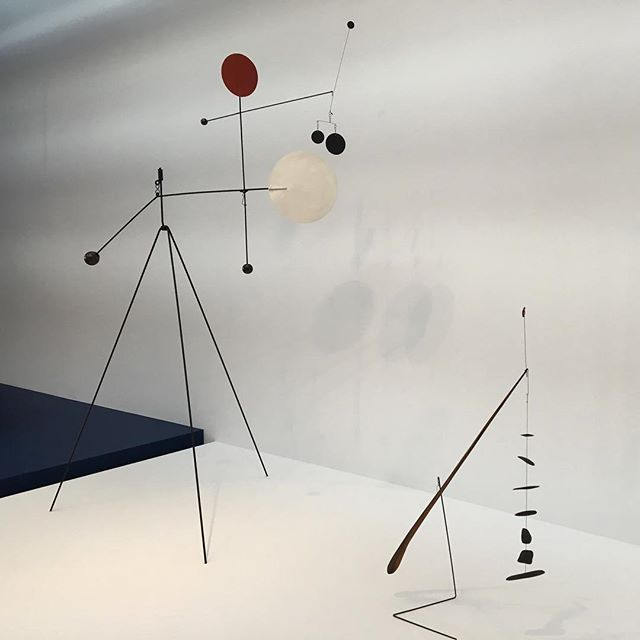 Balancing act . . . . #calder #hypermobility #whitney #whitneymuseum #biennale #whitneybiennial