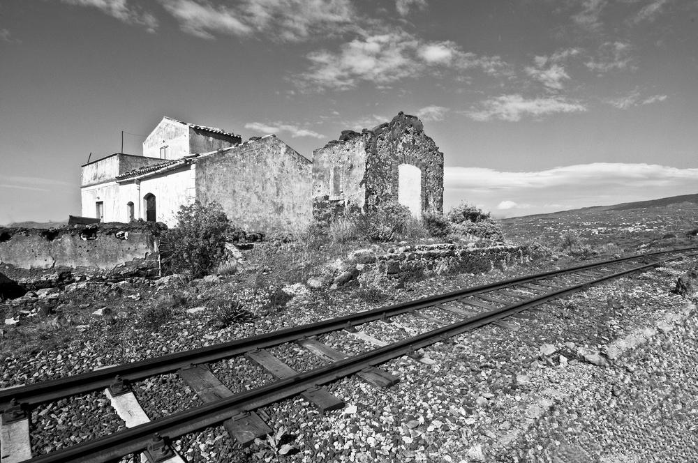 Sicily Ruin and Rail