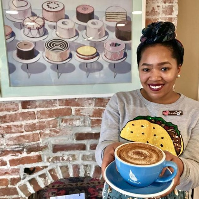 Visitors to @muddysbakeshop get their local recommendations served up with big smiles and yummy hot drinks. ☕️ Way to be a Memphis Insider, Leah! . . . . . #welcometomemphis #memphisinsider #ilovememphis #choose901 #memphis #memphistn #hospitality #customerservice #explorememphis #discovermemphis #muddysbakeshop
