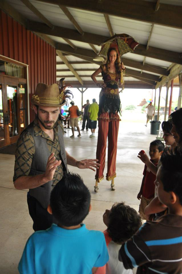 Stilt Walking_Circus Picnic  (173 of 177).jpg