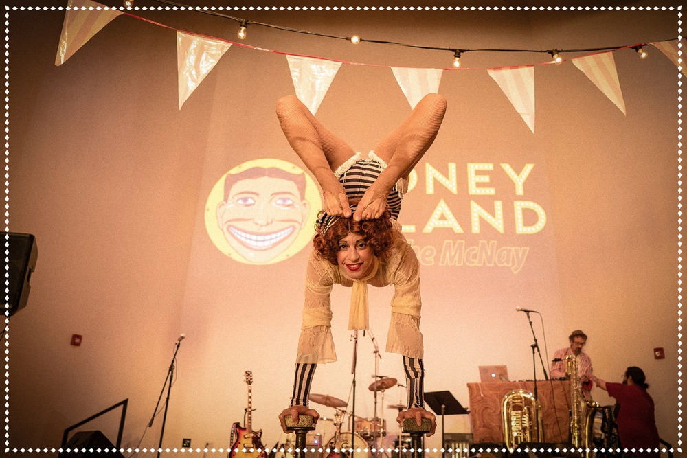 Hire contortionist entertainer TX