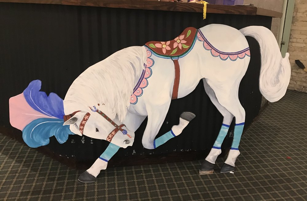 Show horse ready to ride  7.5' X 4'