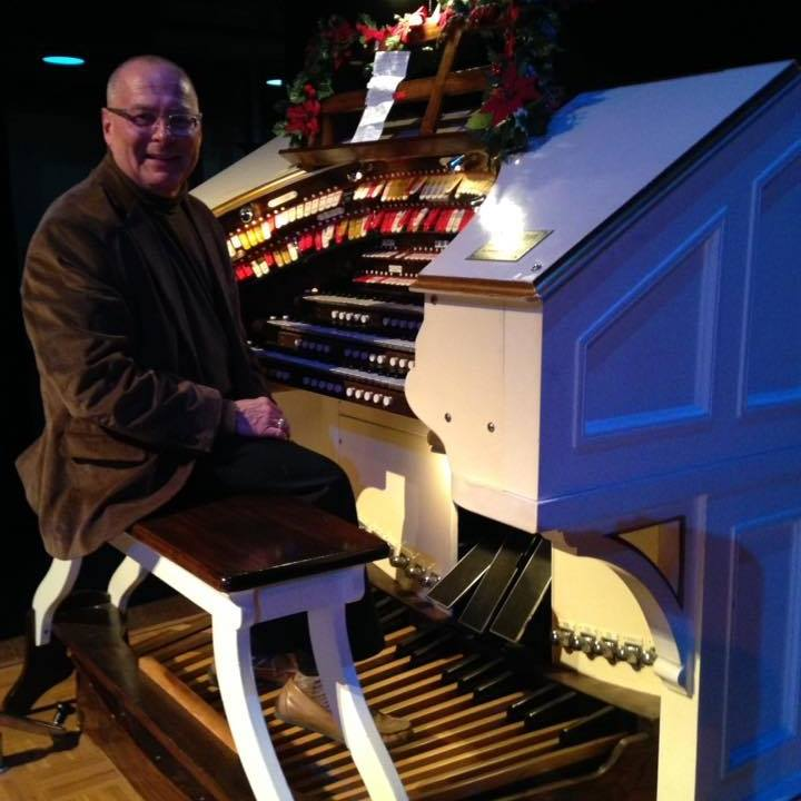 Buddy Shirk performing at Chattanooga's own Tivoli on the Mighty Wurlitzer.