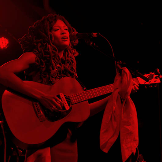 <strong>Valerie June</strong>