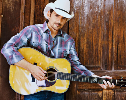 lr-baggs-artists-brad-paisley.jpg