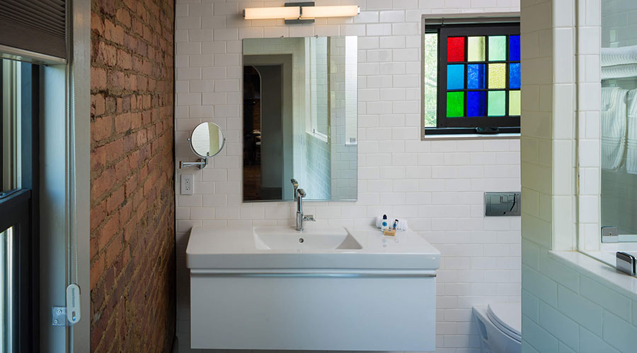 Bunn House Room Bathroom .jpg