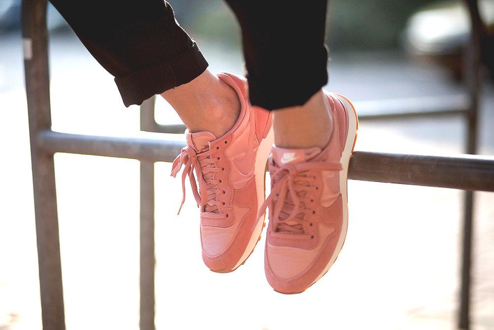Pink sneakers fash-n-chips.com 3.jpg