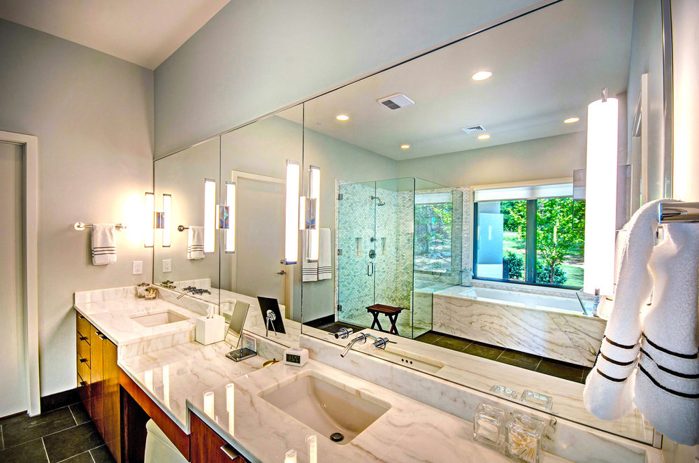 15. Master Bathroom.jpg