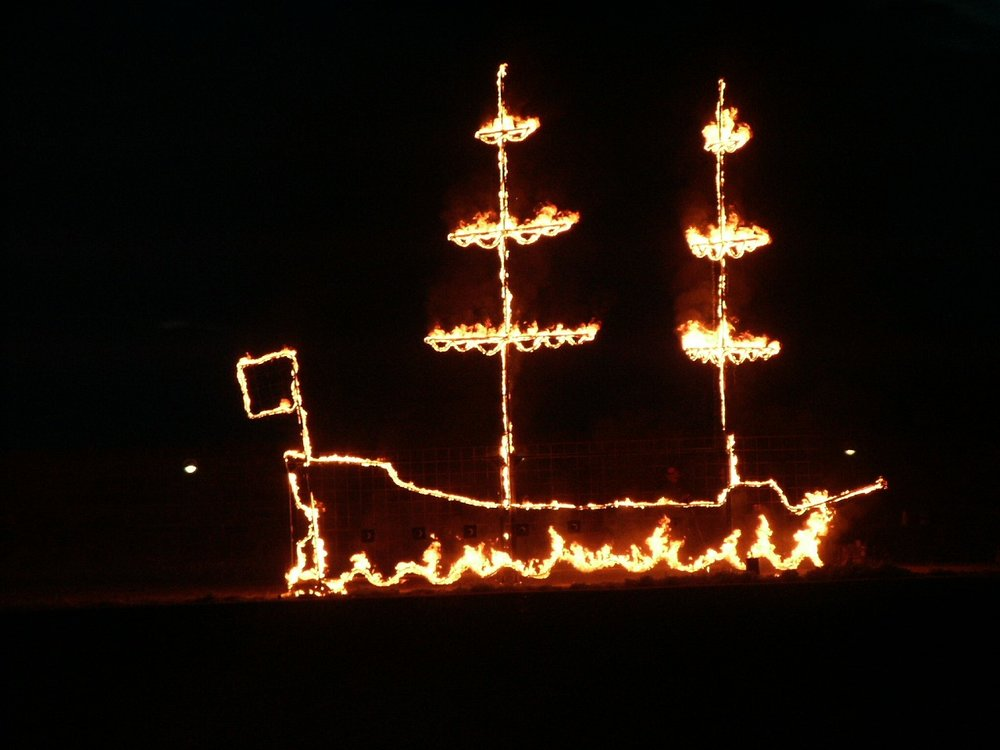 firedrawing - ship close up.jpg