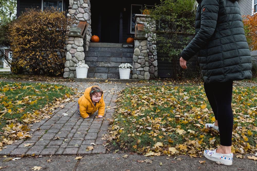 Baby crawling to mama. Royal Oak Family Photographer. Detroit Family Photographer.