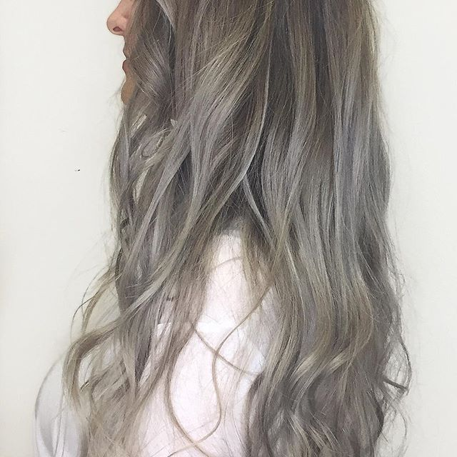 Steel. . . #trulytailoredcolour #steelblonde #ashblonde #balayage #olaplex #olaplexlove #moroccanoil#arganeveryday #hairlove #hairlife #hairdresser #hairstyle #hairart #hairgoals #instadaily #instalove #instablog #styleblog #bloggerstyle #hairdressermagic #behindthechair #maneinterest #hairpainters