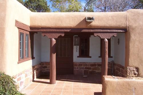 Henderson House, 555 Camino del Monte Sol