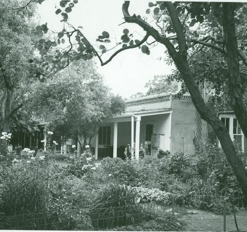 Gregorio Crespin House, 132 East De Vargas Street