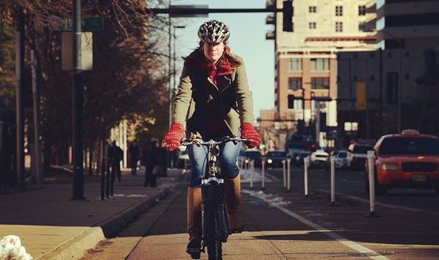 Protected bike lanes are growing thanks to one of the simplest technologies imaginable: a book of standards. Learn more about the movement that brought safer bicycle lanes to the US 🚲: http://ow.ly/LGoE30j2Cjt . . . . . #mogi #mymogibag #cycling #bikelanes #safetytips #bikecommute #cycling #biking #fitness #yogamatbag #yogamatbags #yogaandcycling #cyclingandyoga
