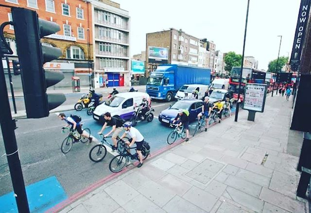 During rush hour in London, the number of cyclists are now exceeding the numbers of cars, taxis, buses, motorcycles, and goods vehicles. Do you use cycling as a form of commuting here in the United States? http://ow.ly/ANDS30jauFU . . . . . #mogi #mymogibag #cycling #cycle #dailycommute #bikecommute #biking #yogamat #commuter #yogi #transportation #yogamatbag #yogamatbags #yoga #yogaandcycling #cyclingandyoga #dailytravels