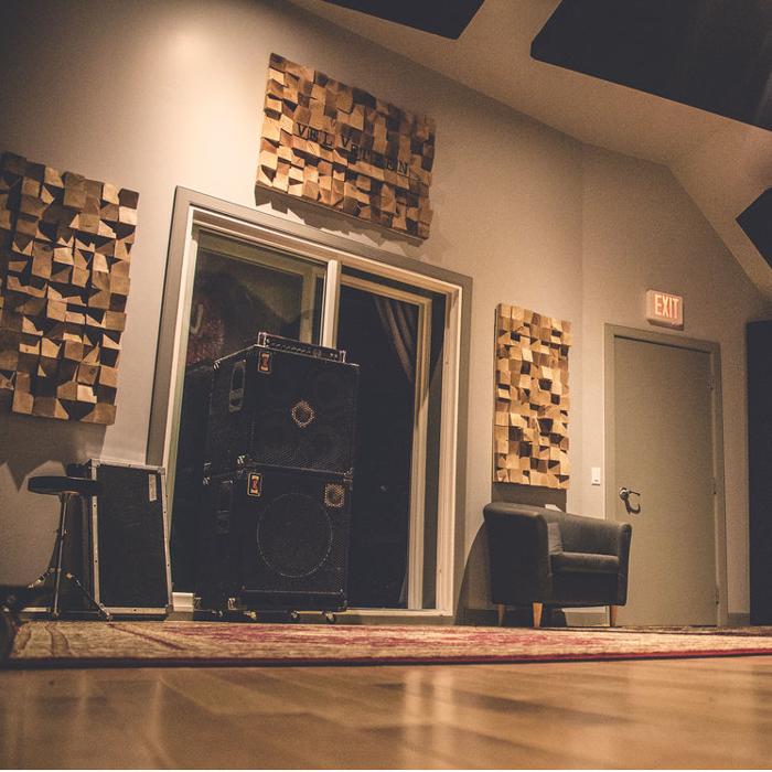 Edmonton-Recording-Studio-11.jpg