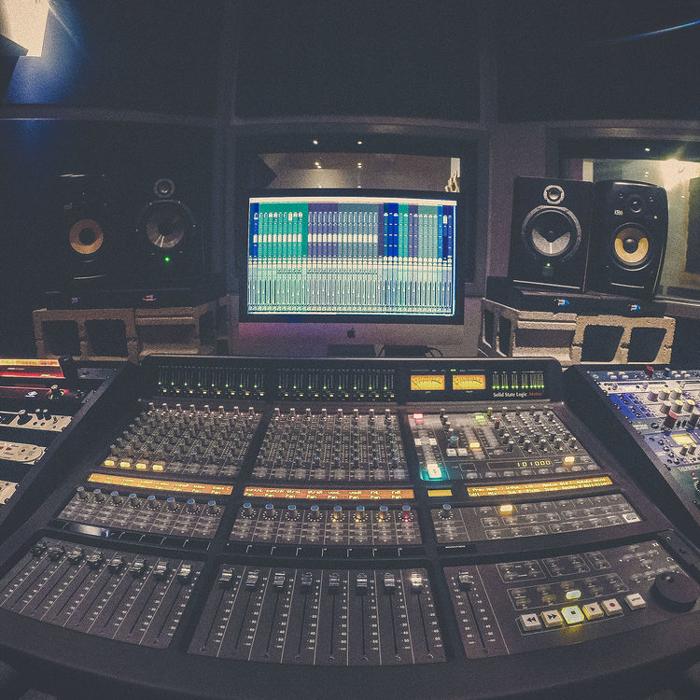 Edmonton-Recording-Studio-13.png