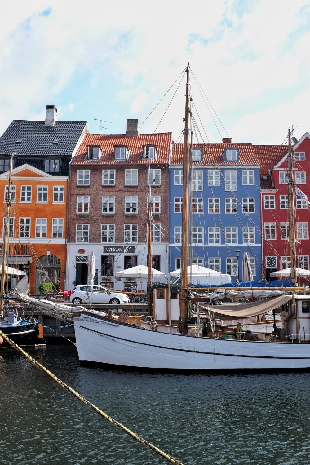 The signature shot of the iconic Nyhavn.