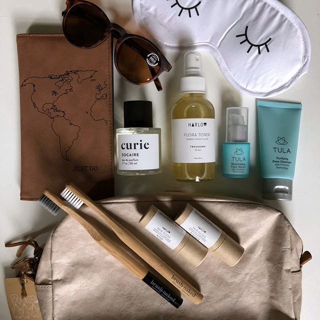 GIVEAWAY! 🌿 To celebrate Earth Day and new beginnings, we've partnered with a great group of brands to give one lucky winner some green getaway essentials! 🌎 To enter: 1. Like this photo  2. Follow ALL brands involved: @lyndseygavin @harlowskinco @brush.naked @uashmama.usa @ettitudestore @shopcurie @tula @soloeyewear @nomadlane @orchardnbroome @stephaniesica  3. Tag two friends that you'd like to jet off with, below!  Giveaway closes on April 26th at 1pm EST / 4pm PST. Winner will be chosen at random and announced on April 27th at 11:30am EST/8:30am PST. See terms and conditions on lyndseygavin.com. PC: @stephaniesica ** Giveaway open to US/Canada residents only! **