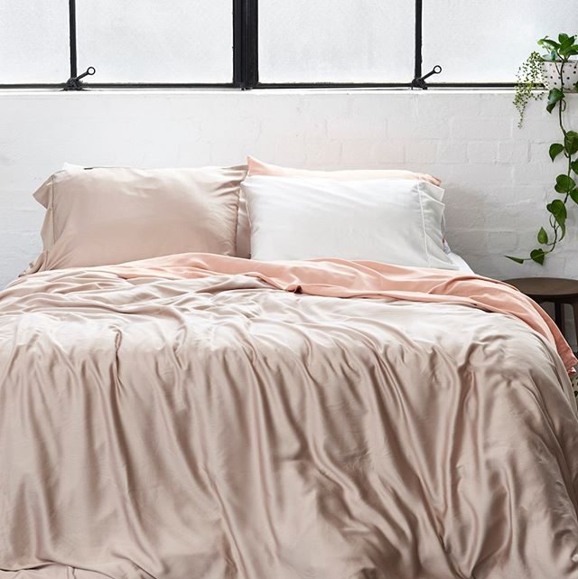 Layer soft pink and light beige through the bedroom. Ft. our Bamboo Coffee Sheets in Latte and Flat White. ☁️☕️#sleepwithettitude #sustainableliving #interiorinspiration