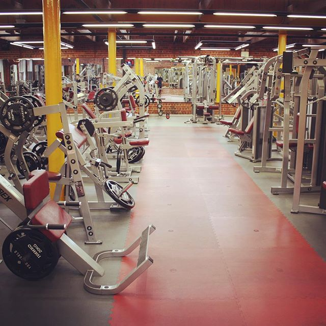 Everything you need after a day at work #gym #workout #motivation #persistence #happy #unstoppable #5pmhurryup #fitness #healthy #longlife #longlifefriends