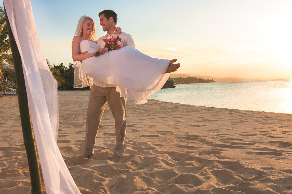 Extraordinary Beaches for Weddings - photo provided by Jamaica Tourist Board