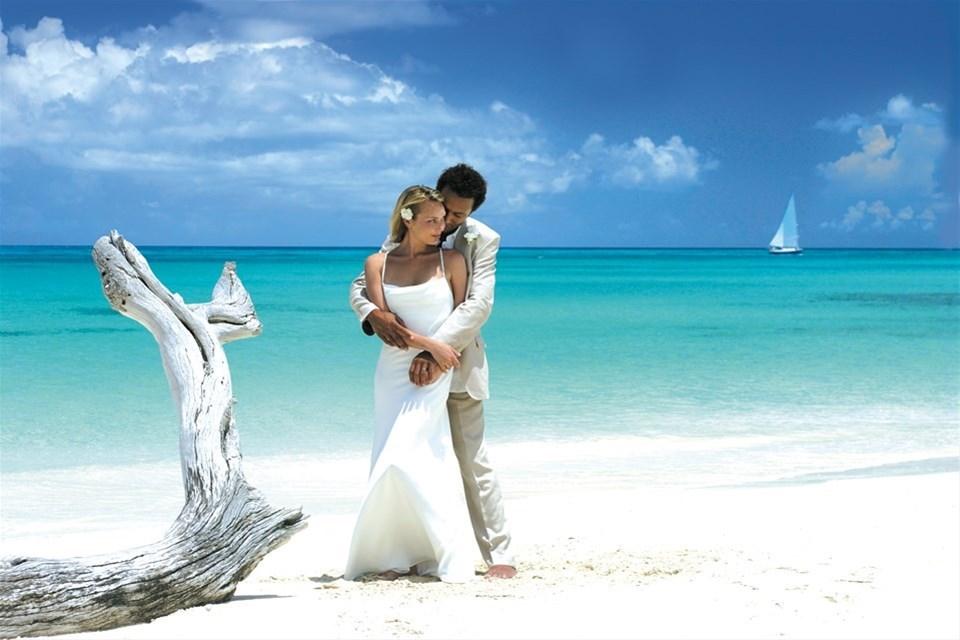 The perfect beach wedding - picture provided by Antigua & Barbuda Tourist Board