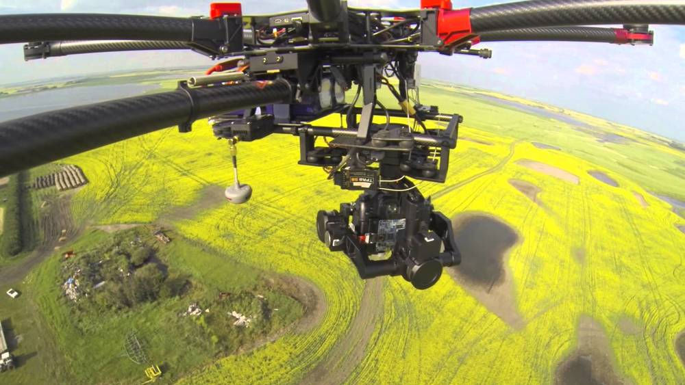 The photographs and footage from this high-end drone and camera equipment are second to none.