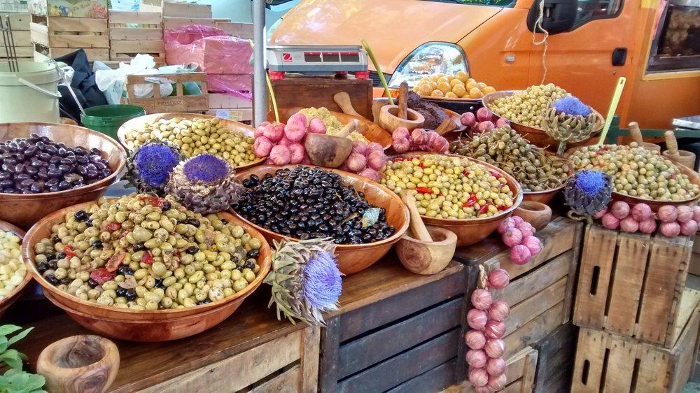 Olives for sale at Uzes market