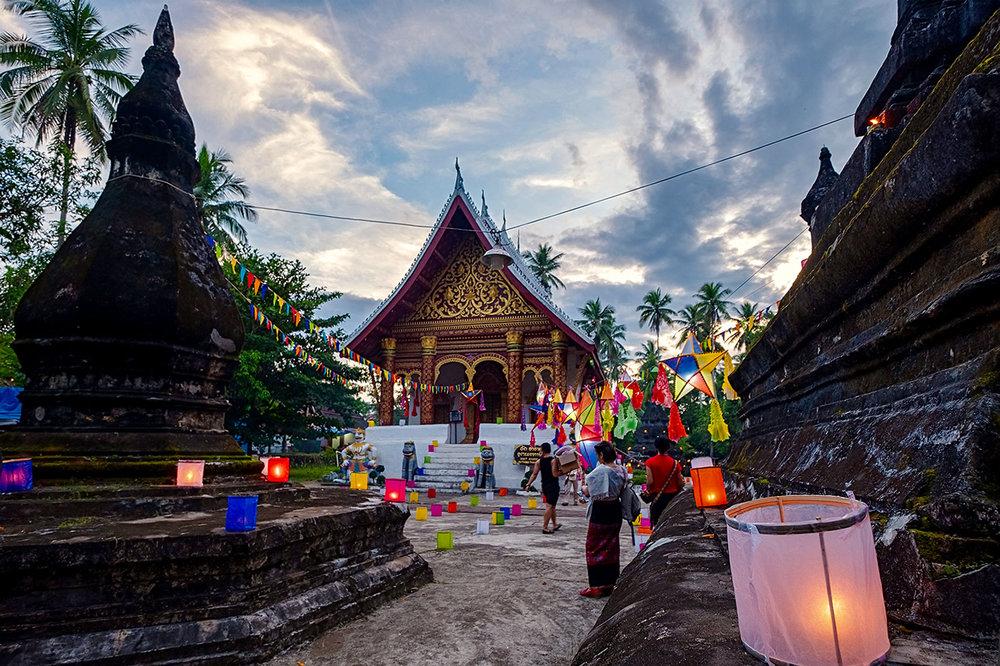 Ok Phansa, end of Buddhist lent