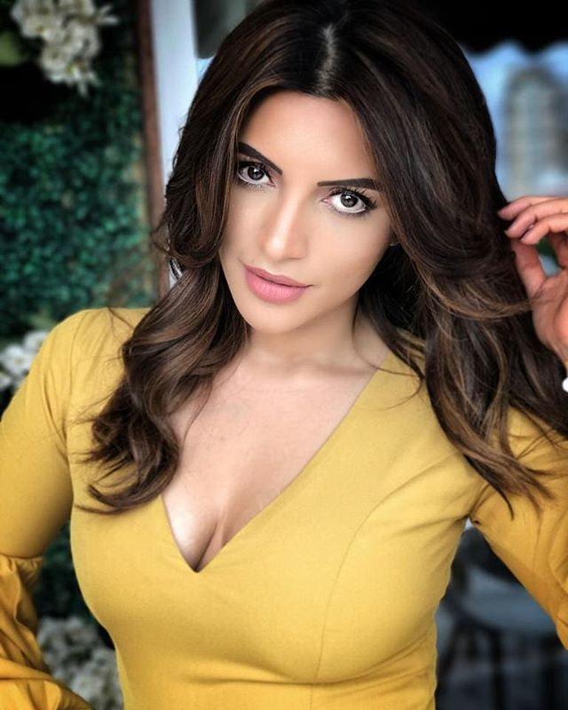 You are my love story and I write you into everything I do, everything I see, everything I touch and everything I dream, you are the words that fill my pages...#abdilkisunn