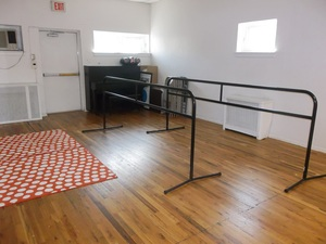 DAVIS HALL - Dance Studio