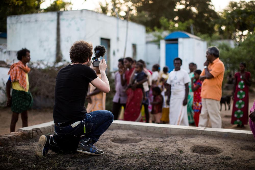 Reunion au village natal dElango photo Emmanuel Guionet.jpg