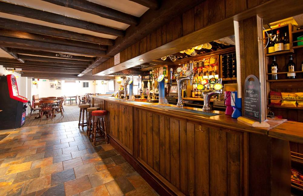 themanor-bar.jpg