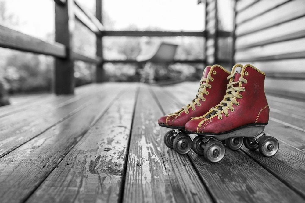 roller-skates-381216_1280.jpg