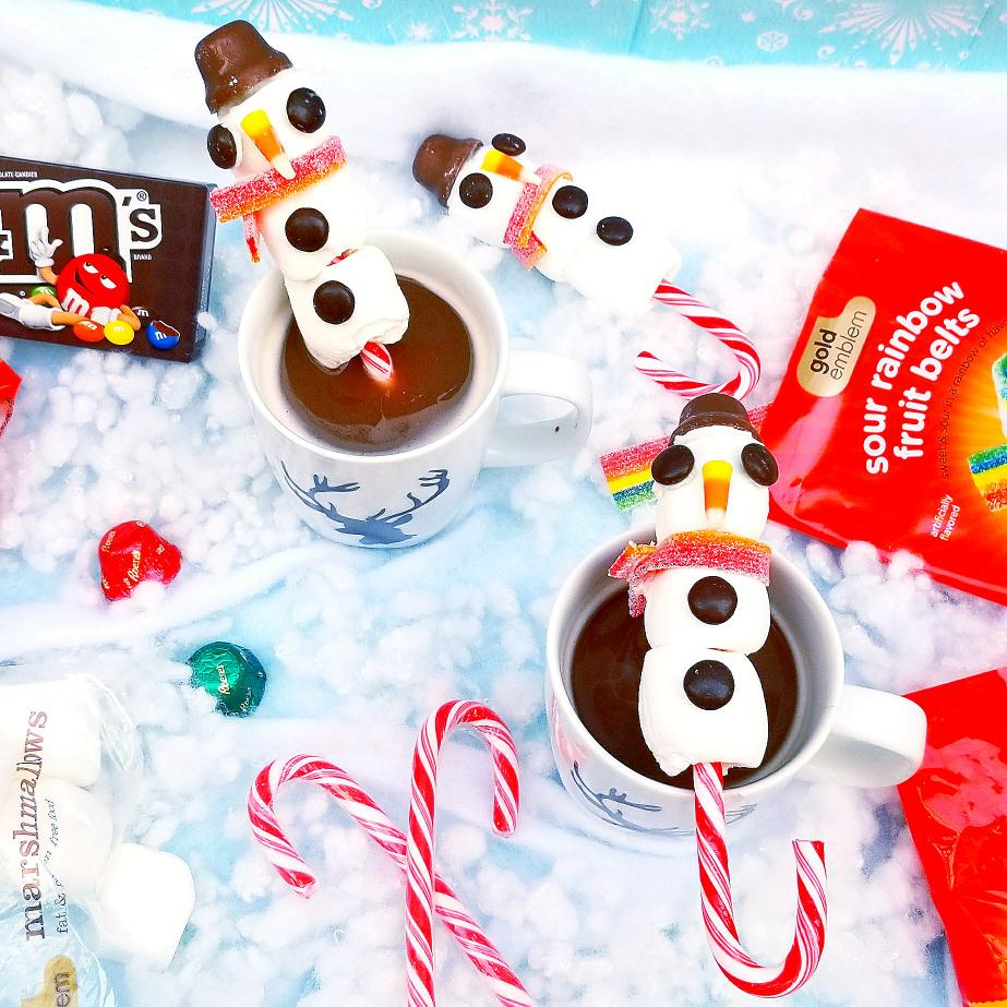 DIY Snowman Candy Cane Hot Hocolate Stirrer | Tiny Paper Cuts