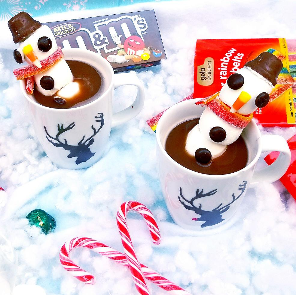 DIY Snowman Candy Cane Hot Chocolate Stirrer | Tiny Paper Cuts
