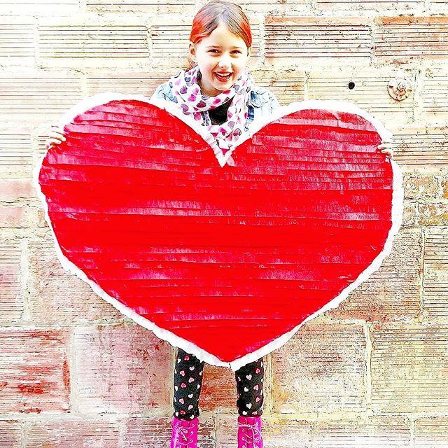 ❤Last year's giant fringe Valentine for my Valentine❤
