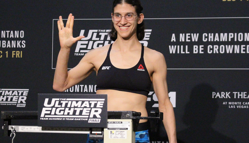 Roxanne Modafferi - Roxanne Modafferi is an American Mixed Martial Artist fighting in the Ultimate Fighting Championship (UFC) Flyweight Division. A pioneer of Women's MMA, Roxy has fought all over the world before finishing as runner up in The Ultimate Fighter Season 26. She is currently ranked in the Top 5 at Women's Flyweight.🔗Facebook | Instagram | Twitter | Website