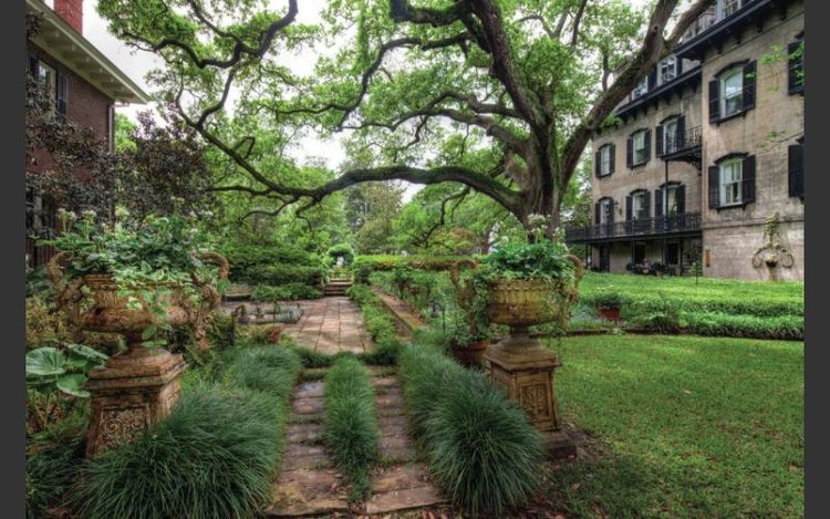 annual nogs tour highlights savannahs hidden gardens dosavannah savannahnow - Hidden Garden