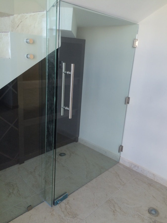 puerta-cristal-templado-9mm-156342.jpg