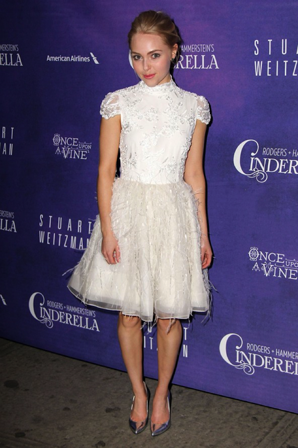 AnnaSophia Robb works white feathers, sparkles and lace in homage to her on-screen alter ego Carrie Bradshaw.