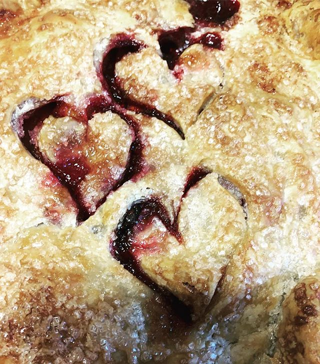 Come try a slice of this Raspberry Peach pie we made today using our @imperfectproduce  produce..! #imperfectproduce #raspberry #peach #pie #pielife #pie #piepiepie #allbuttercrust #hearts #heartsinthings #salmoncreekcafe #bestseattle #seattlepie #salmonlife #shoplocal #burien #comevisit #high5pie